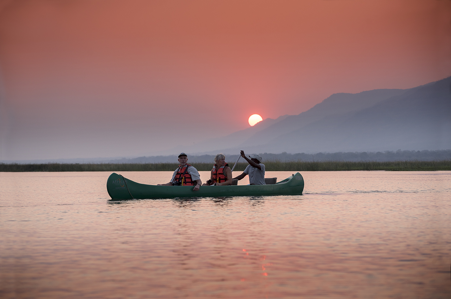 Off The Track Mana Pools Canoe Rides